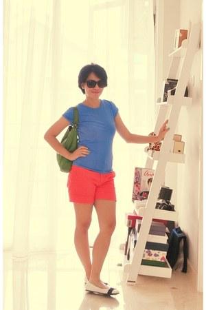 coral Zara shorts - kate spade bag - varina Salvatore Ferragamo flats