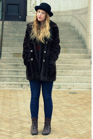 brown faux fur vintage coat - blue skinny Target jeans