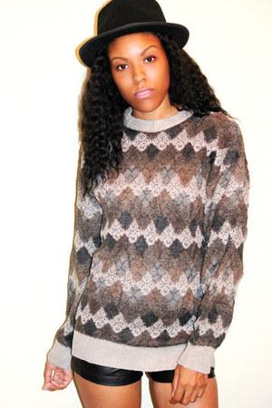 Geoffrey Beene sweatshirt