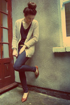 dark brown vintage pumps - black Gap jeans - light brown Primark cardigan