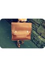 Dark-brown-gladstone-bag-vintage-bag-eggshell-silk-quiksilver-womens-blouse-