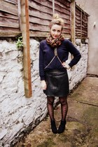black leather Urban Outfitters skirt - black lita style bullboxer boots