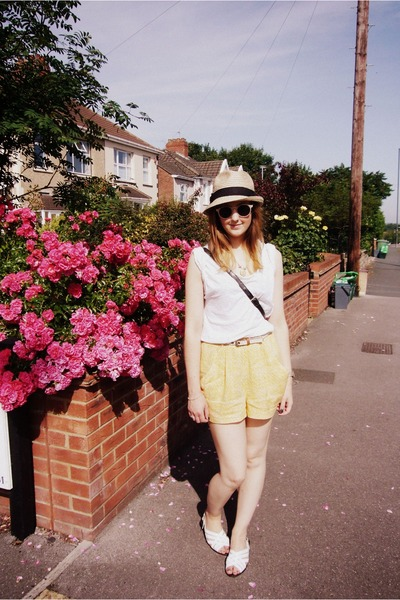 panama Gap hat - vintage bag - H&amp;M shorts - H&amp;M sunglasses - whistles t-shirt - 