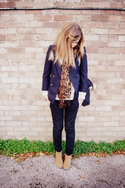 off white swing Gap jumper - bronze ankle Clarks boots - navy vintage jacket