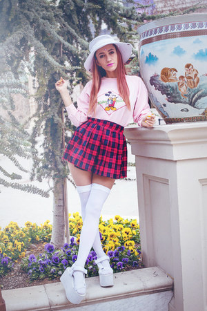 light pink mickey vintage sweater - white thigh highs We Love Colors socks