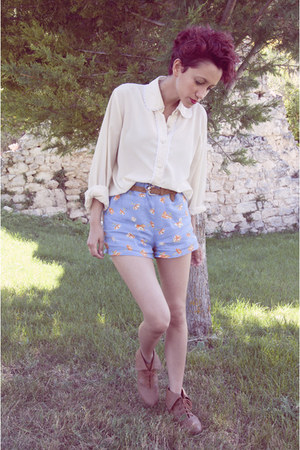 light blue pijama thrifted shorts - brown Zara shoes - ivory vintage blouse