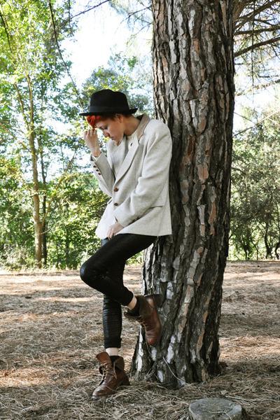 black Bershka leggings - beige vintage blazer