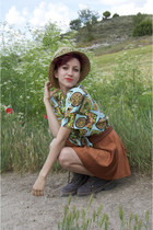 tan promo hat - chartreuse printed vintage blouse - tawny American Apparel skirt