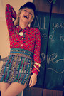 Red-vintage-shirt-camel-thallo-necklace-navy-diy-skirt