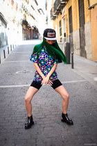 black cap kaotiko hat - green wig wonderland wigs hat - black asos shoes