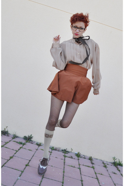 dark brown BLANCO shoes - beige vintage blouse - tawny American Apparel skirt