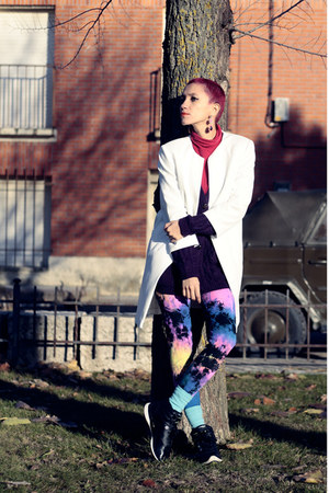 purple We Love Colors leggings - black Reebook sneakers