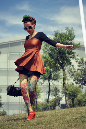 lime green Daddyz tights - black Pimkie dress - carrot orange OASAP wedges