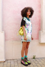 Bubble-gum-asos-boots-yellow-backpack-chicwish-bag
