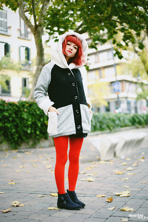 red We Love Colors tights - black Deichmann boots - eggshell 6KScom coat