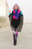 black poncho Now I Style cape - hot pink Romwecom leggings