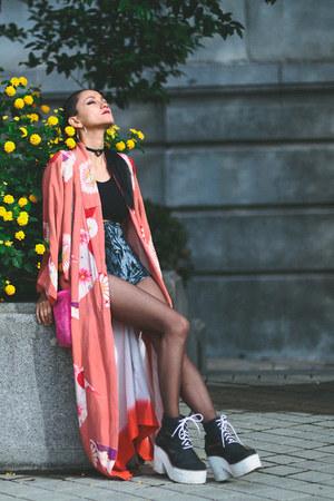 salmon kimono vintage jacket - black asos boots