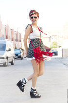 red fringed Akira bag - black vintage dress - silver headband Thallo hat