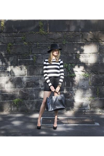 leather bag Prada bag - high waisted Zara shorts