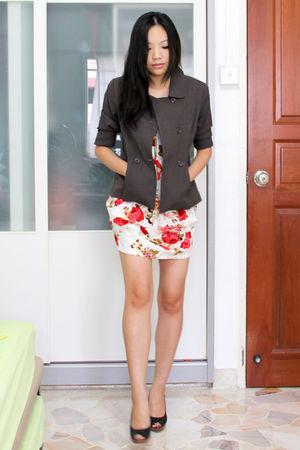 red thrifted dress - brown OG departmental store blazer - black Nine West shoes