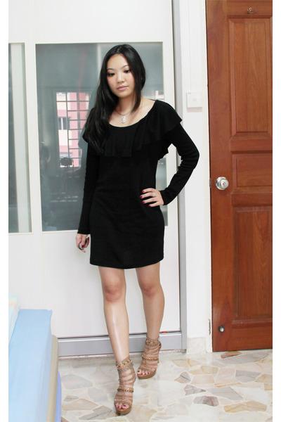 Nude bohemian nine west heels black gmarket dresses white necklaces