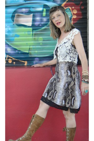 boots - animal print dress