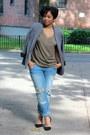 Light-blue-boyfriend-jeans-zara-jeans-navy-urban-outfitters-blazer