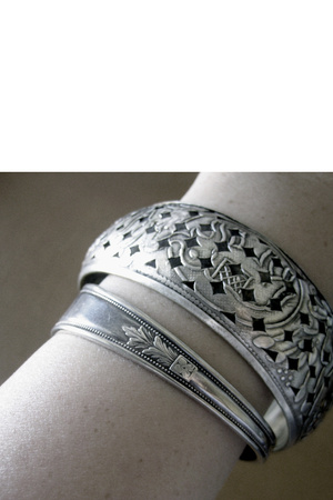bracelet - - -
