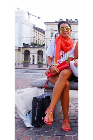 coral fluorescent Stradivarius scarf - red studded idontremember bag