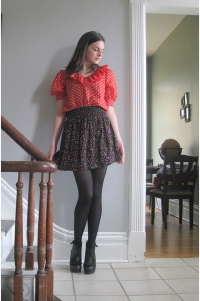 red polka dots modcloth blouse - black floral print Forever 21 skirt - black lea