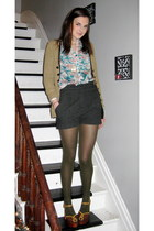 modcloth tights - Forever 21 shorts - Forever 21 blouse - modcloth cardigan - Je