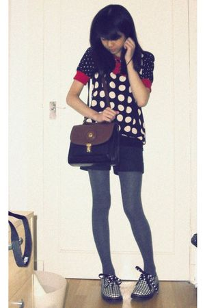 black top - green shorts - gray H&M tights - gray Dr Martens shoes - brown purse