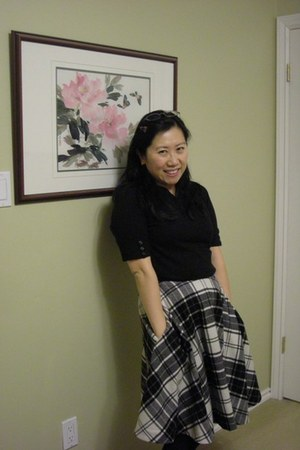 black cotton simons sweater - plaid wool Ralph Lauren skirt