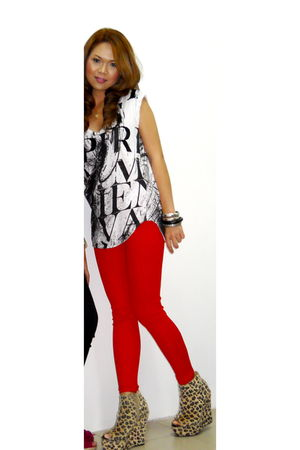 red - beige shoes - white Zara top - black Forever 21 bracelet