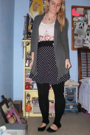 gray cotton on cardigan - white chicabooti top - black supre skirt - black Free