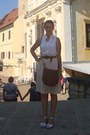 Light-brown-h-m-secondhand-bag-white-with-dots-roberto-wedges
