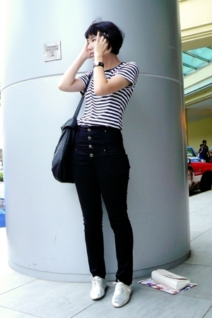 black Uniqlo shirt - black Pull pants - black Mango - silver zipia shoes