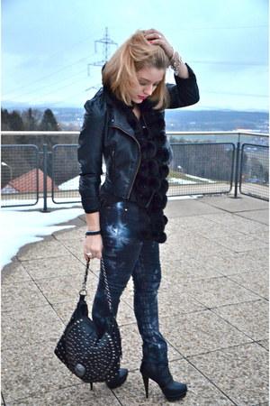 black skull See you Soon bag - navy Zara jeans