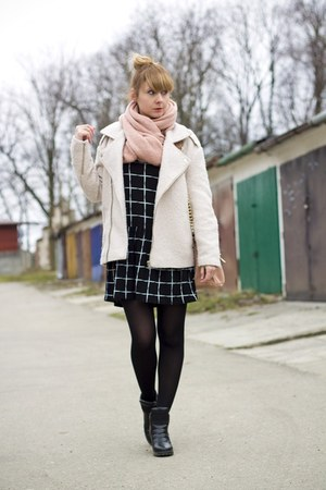 black and white second hand dress - Pimkie jacket - Mohito bag