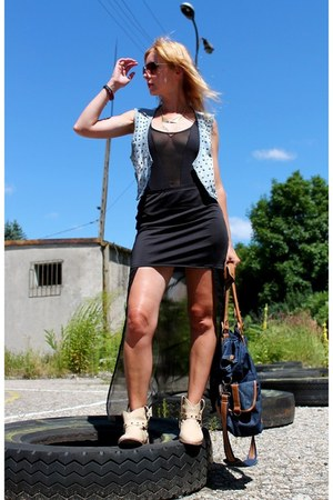 Lefties shoes - Terranova dress - second hand bodysuit
