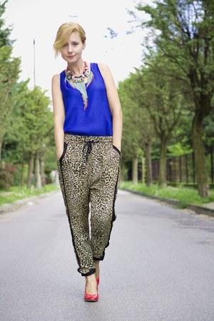 leopard print pull&bear pants - boho etno style Bershka necklace