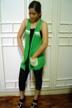 green sundays best multiply vest - black thrifted leggings - black shoeluxurymul