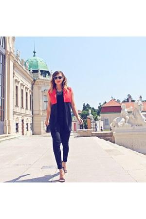 red SG blazer - black Zara jeans - black dior sunglasses - black Zara sandals