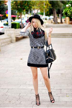 brick red H&M scarf - heather gray pull&bear dress - black Zara heels