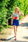 Blue-zara-skirt-white-zara-t-shirt-red-pull-bear-heels