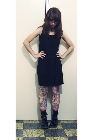 black patent boots - black cotton dress - bubble gum H&M tights