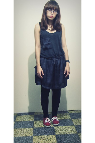 ruby red linen Keds shoes - forest green Aishti dress - black tights