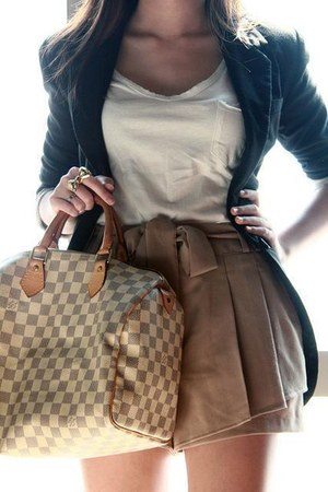 gold bow ring - navy blazer - tan bag - light brown shorts - white t-shirt