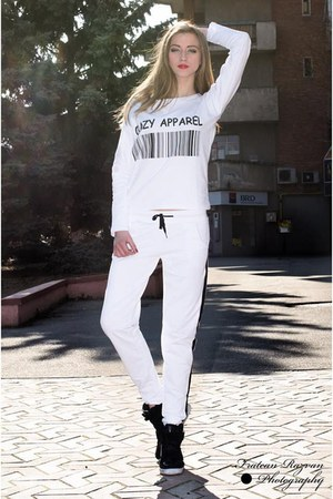 white cool blouse - white cool pants - black cute sneakers