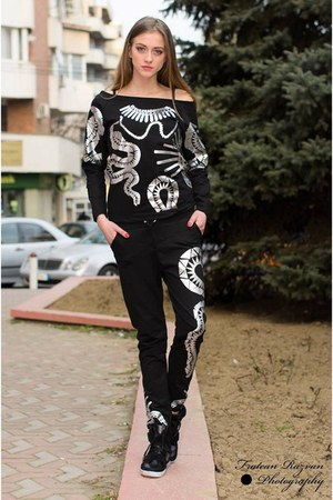 black cute pants - black cute blouse